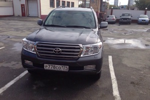 Автомобиль Toyota Land Cruiser, отличное состояние, 2010 года выпуска, цена 2 300 000 руб., Челябинск