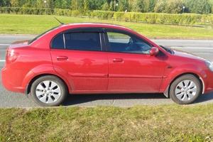 Автомобиль Kia Rio, отличное состояние, 2010 года выпуска, цена 320 000 руб., Сургут