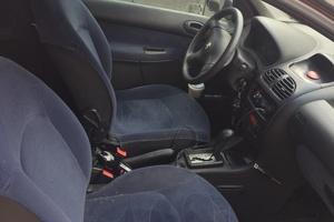 Подержанный автомобиль Peugeot 206, хорошее состояние, 2001 года выпуска, цена 370 000 руб., Московская область