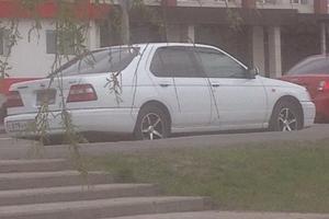 Автомобиль Nissan Bluebird, хорошее состояние, 1999 года выпуска, цена 150 000 руб., Омск