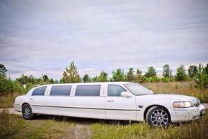 Автомобиль Lincoln Town Car, хорошее состояние, 2003 года выпуска, цена 600 000 руб., Мурманская область