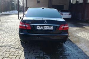 Подержанный автомобиль Mercedes-Benz E-Класс, хорошее состояние, 2011 года выпуска, цена 930 000 руб., Истра