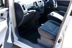 Автомобиль Mitsubishi Dingo, среднее состояние, 2001 года выпуска, цена 200 000 руб., Пятигорск