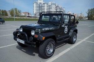 Автомобиль Jeep Wrangler, хорошее состояние, 1998 года выпуска, цена 599 000 руб., Казань