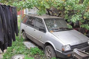 Автомобиль Mitsubishi Space Wagon, среднее состояние, 1987 года выпуска, цена 50 000 руб., Белгород