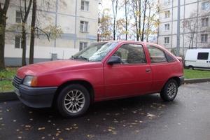 Автомобиль Opel Kadett, хорошее состояние, 1987 года выпуска, цена 50 000 руб., Санкт-Петербург