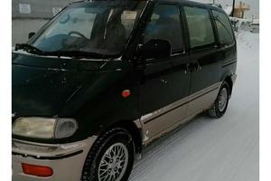 Автомобиль Nissan Serena, хорошее состояние, 1999 года выпуска, цена 180 000 руб., Нижневартовск