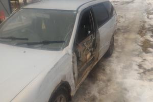 Автомобиль Nissan Avenir, битый состояние, 2002 года выпуска, цена 60 000 руб., Санкт-Петербург