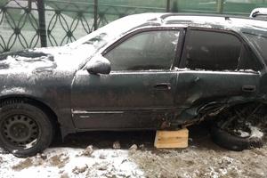 Автомобиль Toyota Sprinter Carib, битый состояние, 1996 года выпуска, цена 50 000 руб., Москва
