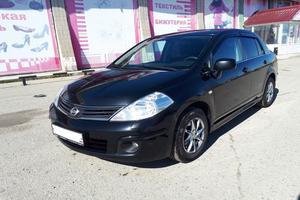 Подержанный автомобиль Nissan Tiida, хорошее состояние, 2011 года выпуска, цена 380 000 руб., Нефтеюганск