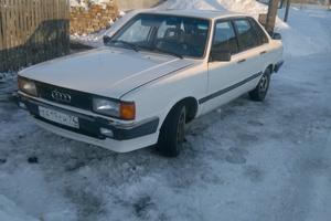 Подержанный автомобиль Audi 80, хорошее состояние, 1985 года выпуска, цена 30 000 руб., Челябинск