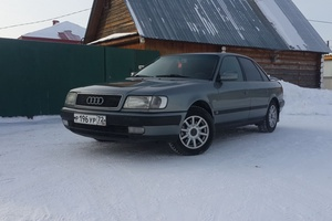 Подержанный автомобиль Audi 100, хорошее состояние, 1992 года выпуска, цена 200 000 руб., Тюмень