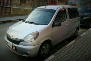 Автомобиль Toyota Yaris Verso, хорошее состояние, 2000 года выпуска, цена 260 000 руб., Москва