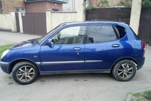Автомобиль Daihatsu Sirion, хорошее состояние, 2000 года выпуска, цена 175 000 руб., Краснодарский край