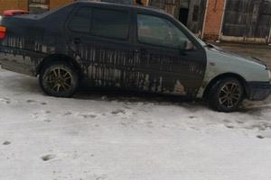 Автомобиль Volkswagen Vento, хорошее состояние, 1994 года выпуска, цена 100 000 руб., Ухта