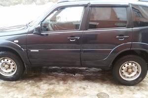 Подержанный автомобиль Chevrolet Niva, хорошее состояние, 2012 года выпуска, цена 350 000 руб., Рославль