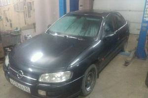 Автомобиль Opel Omega, среднее состояние, 1998 года выпуска, цена 45 000 руб., Псковская область