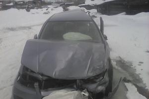 Автомобиль Nissan Avenir, битый состояние, 2002 года выпуска, цена 55 000 руб., Тайшет