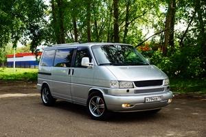Автомобиль Volkswagen Caravelle, отличное состояние, 2003 года выпуска, цена 890 000 руб., Набережные Челны
