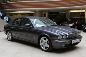 Авто Jaguar XJ, 2005 года выпуска, цена 879 000 руб., Москва