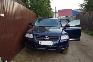 Автомобиль Volkswagen Touareg, хорошее состояние, 2005 года выпуска, цена 680 000 руб., Нижневартовск