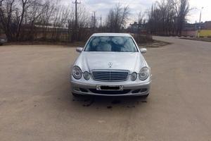 Подержанный автомобиль Mercedes-Benz E-Класс, отличное состояние, 2002 года выпуска, цена 410 000 руб., Московская область