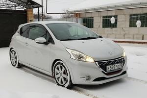 Автомобиль Peugeot 208, отличное состояние, 2014 года выпуска, цена 750 000 руб., Владимир