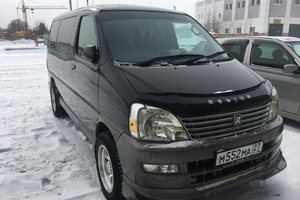 Автомобиль Toyota Regius, хорошее состояние, 2000 года выпуска, цена 550 000 руб., Хабаровск