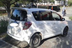 Автомобиль Toyota Ractis, хорошее состояние, 2010 года выпуска, цена 450 000 руб., Приморский край