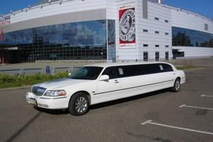 Автомобиль Lincoln Town Car, отличное состояние, 2004 года выпуска, цена 790 000 руб., Ярославль