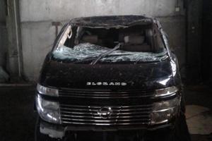 Автомобиль Nissan Elgrand, битый состояние, 2004 года выпуска, цена 130 000 руб., республика Бурятия