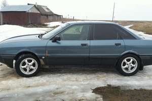 Автомобиль Audi 80, хорошее состояние, 1989 года выпуска, цена 85 000 руб., Московская область