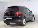 Подержанный Volkswagen Tiguan, черный, 2012 года выпуска, цена 719 000 руб. в Санкт-Петербурге, автосалон РОЛЬФ Лахта Blue Fish