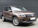 Подержанный Volkswagen Tiguan, коричневый, 2015 года выпуска, цена 1 097 300 руб. в Санкт-Петербурге, автосалон
