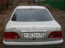 Подержанный Mercedes-Benz E-Класс, серебряный , цена 130 000 руб. в Омске, среднее состояние