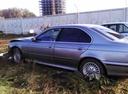 Подержанный BMW 5 серия, серый перламутр, цена 185 000 руб. в Омске, битый состояние