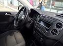 Подержанный Volkswagen Tiguan, белый , цена 750 000 руб. в Костромской области, отличное состояние