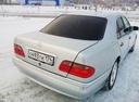 Подержанный Mercedes-Benz E-Класс, серебряный металлик, цена 380 000 руб. в Челябинской области, отличное состояние