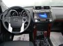 Подержанный Toyota Land Cruiser Prado, белый, 2015 года выпуска, цена 2 650 000 руб. в Омске, автосалон Тойота Центр Омск