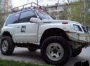 Подержанный Suzuki Escudo, белый , цена 200 000 руб. в ао. Ханты-Мансийском Автономном округе - Югре, среднее состояние