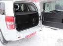 Подержанный Suzuki Grand Vitara, белый, 2012 года выпуска, цена 899 000 руб. в Тюмени, автосалон