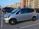 Подержанный Honda Fit, серебряный металлик, цена 250 000 руб. в Тюмени, отличное состояние