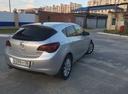 Подержанный Opel Astra, серебряный , цена 600 000 руб. в ао. Ханты-Мансийском Автономном округе - Югре, хорошее состояние