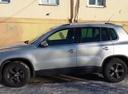 Подержанный Volkswagen Tiguan, серебряный металлик, цена 850 000 руб. в Челябинской области, отличное состояние