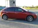 Подержанный Ford Focus, красный , цена 260 000 руб. в ао. Ханты-Мансийском Автономном округе - Югре, хорошее состояние