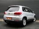 Подержанный Volkswagen Tiguan, серебряный, 2012 года выпуска, цена 936 300 руб. в Санкт-Петербурге, автосалон