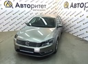 Подержанный Volkswagen Passat, бежевый, 2013 года выпуска, цена 749 000 руб. в Санкт-Петербурге, автосалон