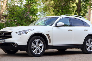 Infiniti FX-Series FX30  D AT AWD (238 л. с.)