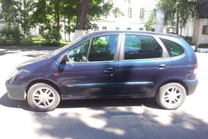 Renault Scenic 1.6 16v AT (107 л. с.)