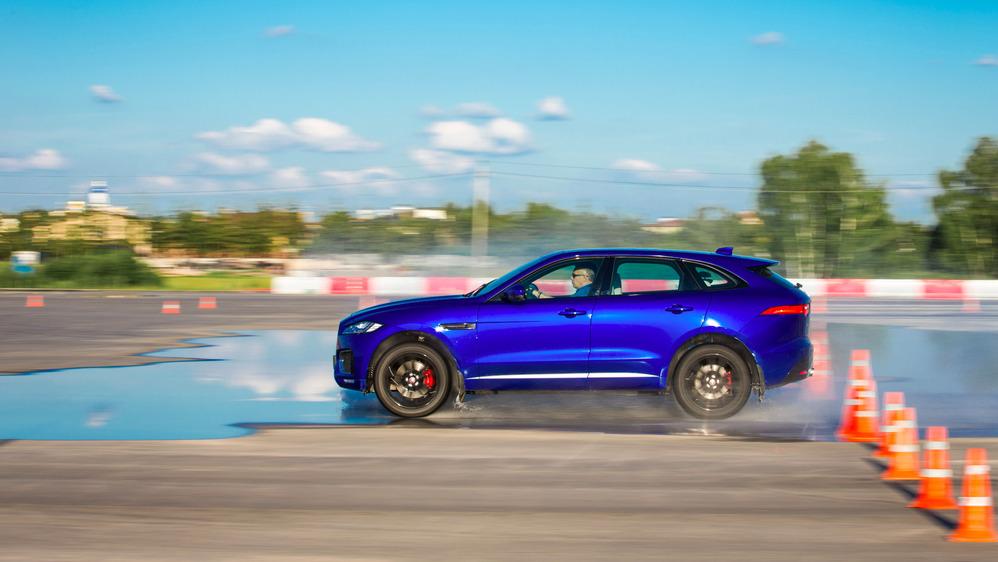 Первый тест Jaguar F-Pace - читать и смотреть фото на Am.ru